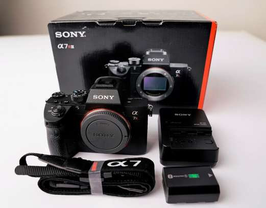 New Sony Alpha A7r III Mirrorless Digital Camera
