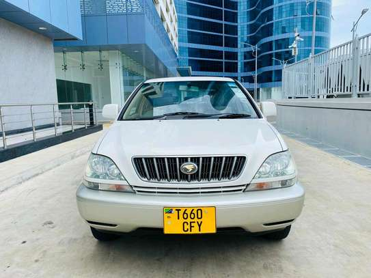 2001 Toyota Harrier image 12