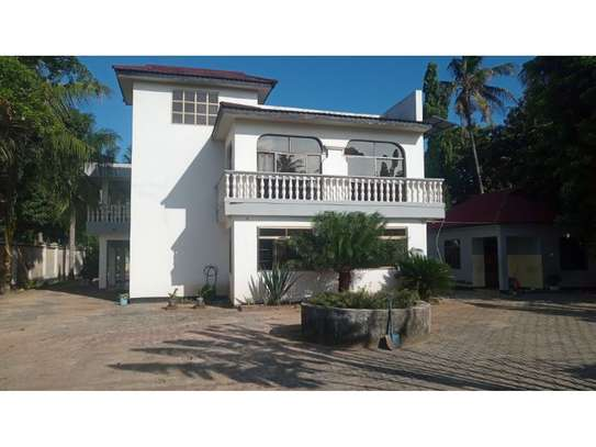 6bed house at mikocheni avacado $2000pm image 1