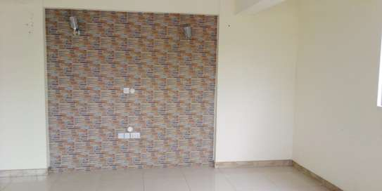 SPECIOUS 3 BEDROOMS SEMI FURNISHED FOR SALE AT KARIAKOO image 6