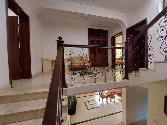 4BEDROOMS LUXUARY VILLAH FOR RENT image 10
