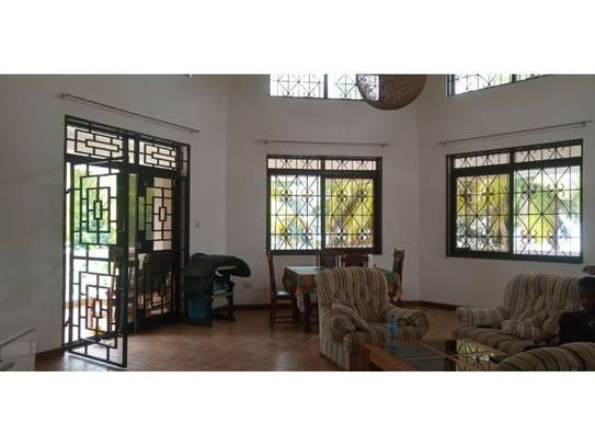 beach house 8bed at mbezi beach $2500pm plus 3bed house total 11 bed image 7