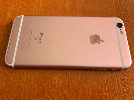 USED Iphone 6S+ for sale image 3
