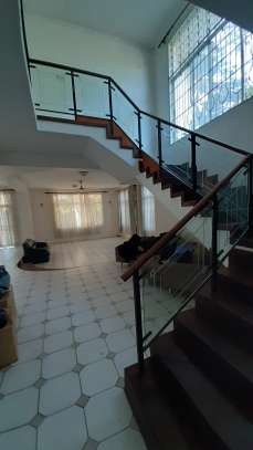 4 Bedrooms Beach House For Rent in Msasani Peninsula image 13