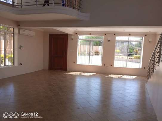 2 beautiful villah for Rent at Oysterbay with 3bedroom each, swimming pool for only usd 4000 image 6