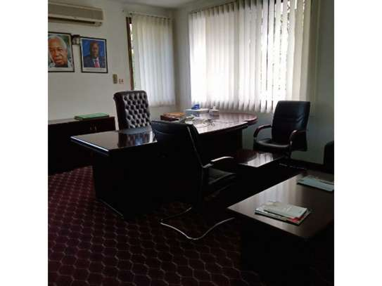 5 bed room all ensuite for rent at msasani , house i deal for office. image 7