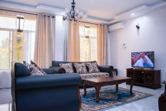 3bedroom Apartment for rent in msasani image 2
