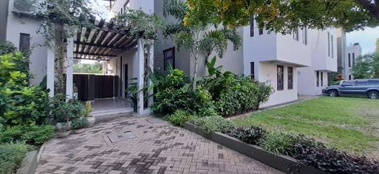 4 Bedrooms Top End Executive House For Rent in Oysterbay
