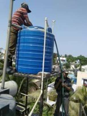 Water tank cleaner image 12