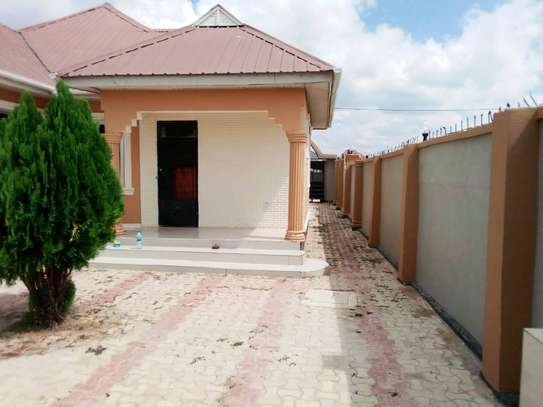 4 BEDROOMS HOUSE FOR RENT IN IPAGALA- DODOMA image 3