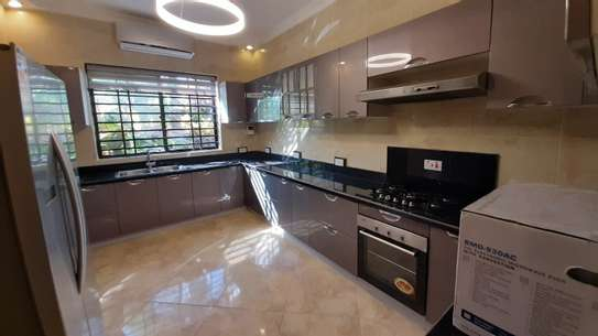 3 Bedrooms Bungalow In A Compound For Rent In Oysterbay image 12
