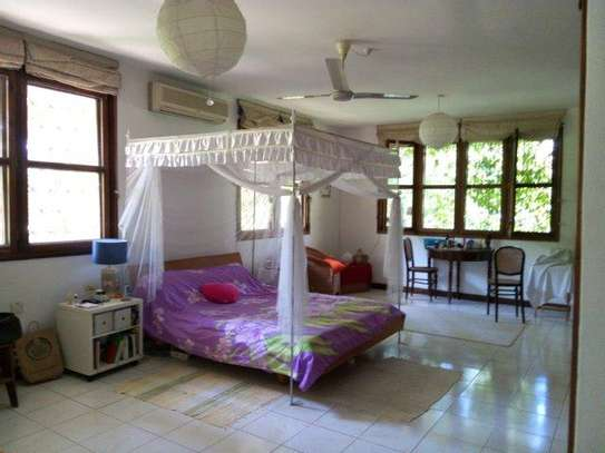 4 bed room house for rent at masaki near coral beach image 9