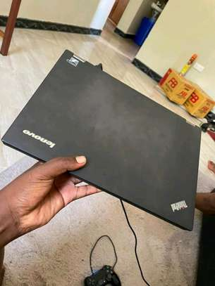 Lenovo Thinkpad t440 core i5. In clean condition image 1