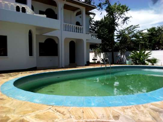5bed house at mikocheni $2500pm image 11