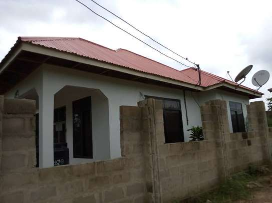 3 bed  house for sale tsh 45ml  at goba 2 km from the road, plot area sqm 400 image 3