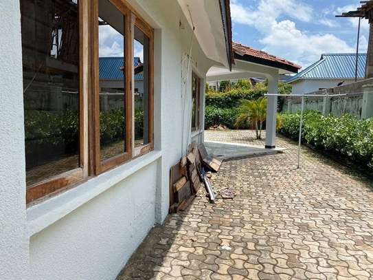 5 bed room house for rent at mikocheni rose garden image 4