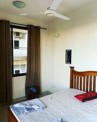 Three bedrm apart at UPANGA FULLY FURNISHED for rent image 3