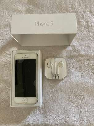 Used iPhone 5 -16GB - White - Unlocked