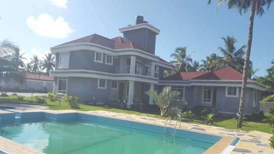 6 bed room house for sale  at salasala image 2