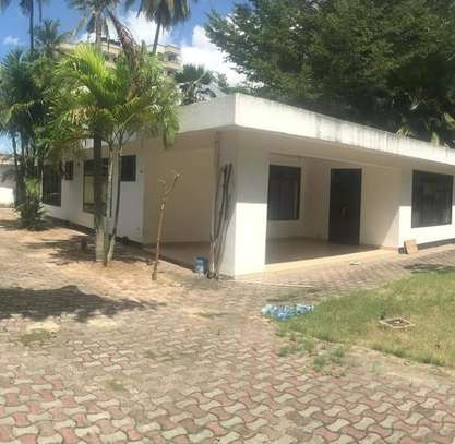 3 bed room house for rent $800pm at upanga