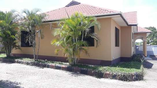 4 bed room house for sale at salasala iptl , house with title deed image 3