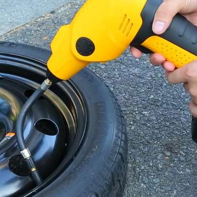 Portable Air Compressor for tyres inflation image 4