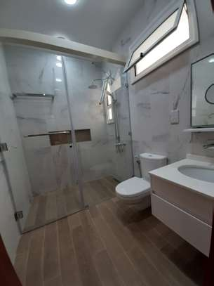 3 And A Half Bedrooms Penthouse For Rent In Masaki image 6