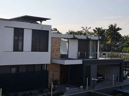 4 bedroom unfurnished house for rent in Oysterbay