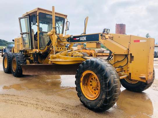 2011 Caterpillar 140K USD 105,000/= FOB image 2