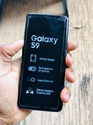 Samsung s9 in image 7