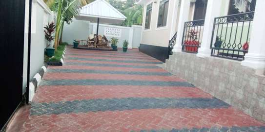 3 bed room house for sale at madale near colea college image 4