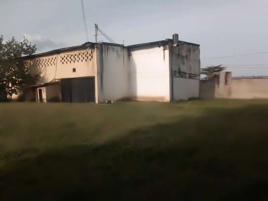 WARE HOUSE FOR RENT IN MBAUDA image 3