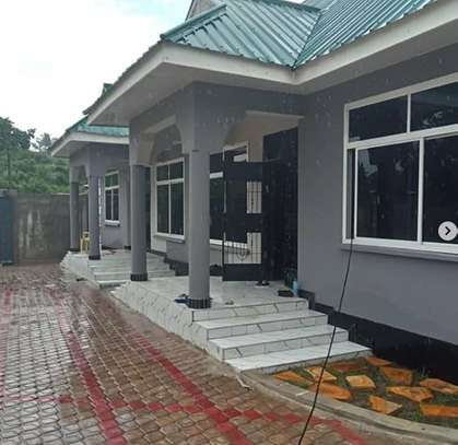 2 Bdrm House at Kimara image 1