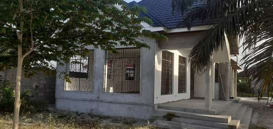 3 HOUSES ALL INSIDE ONE AREA OF 1450 SQM AT CHANIKA