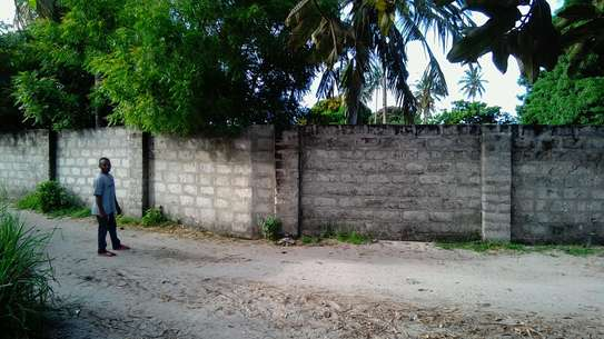 Buy Our Industrial Property @ Low Price! image 5