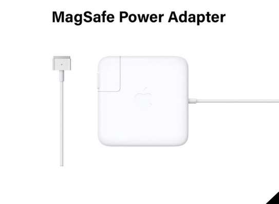 magsafe power adapter /macbook adapter image 1