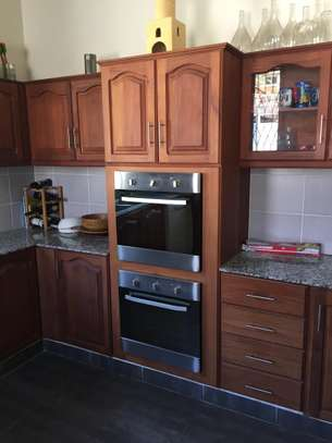 4 Bedrooms Pool House For Rent in Oysterbay image 8