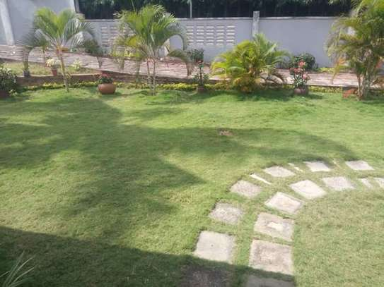 LUXURY 4 BEDROOMS FULLY FURNISHED HOUSE FOR RENT AT MBEZI BEACH image 3