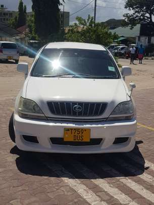 2003 Toyota Harrier image 1