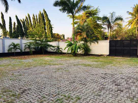 7 bedroom house for sale at mikocheni Ovacado image 8