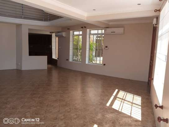 2 beautiful villah for Rent at Oysterbay with 3bedroom each, swimming pool for only usd 4000 image 10