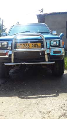 1996 Toyota Hilux Pickup Double Cabin image 3