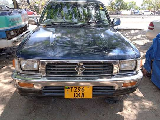 1998 Toyota Hilux Double Cabin Pickup image 10