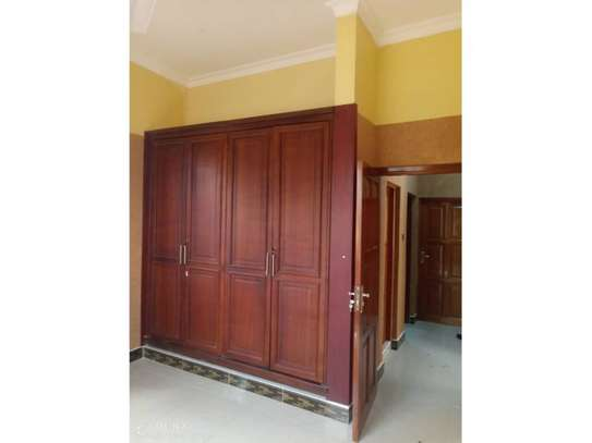 house for rent at kinondoni 800000 image 4