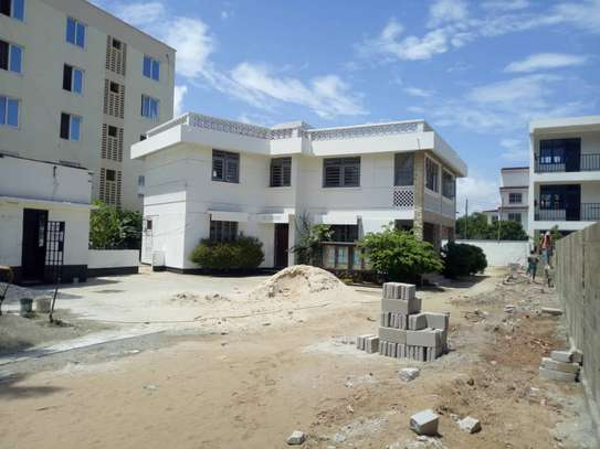 big house  8 bed room house for rent at mikocheni image 2