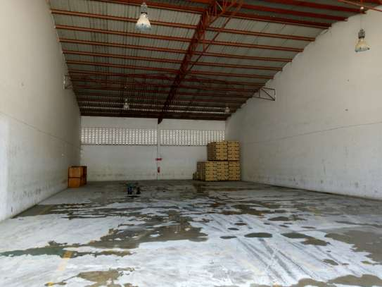 500 square meter warehouse for rent image 4