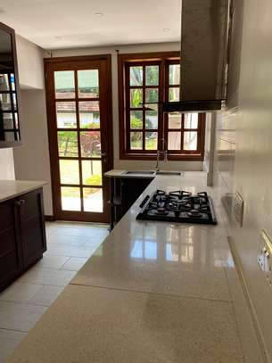5bdrm house for rent in oyster bay image 10