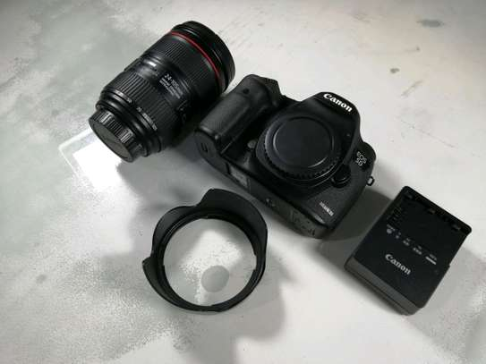 Canon EOS 5D Mark III 22.3 MP Full Frame CMOS with 1080p Full-HD Video Mode Digital SLR Camera. Ipo na ZOOM LENS EF24-105mm F4L IS II USM