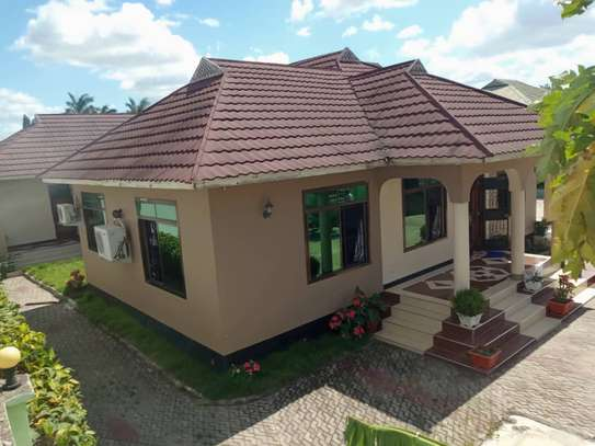 6 Bedrooms House at Tabata Kinyerezi image 2