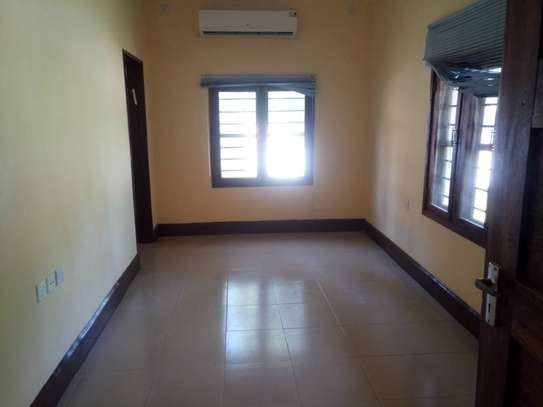 3 Bdrm Stand Alone House in Ada Estate image 8